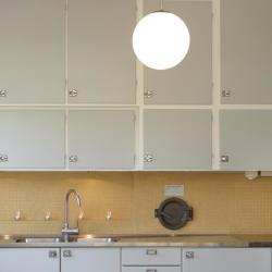 retro kök grått gult mosaikkakel