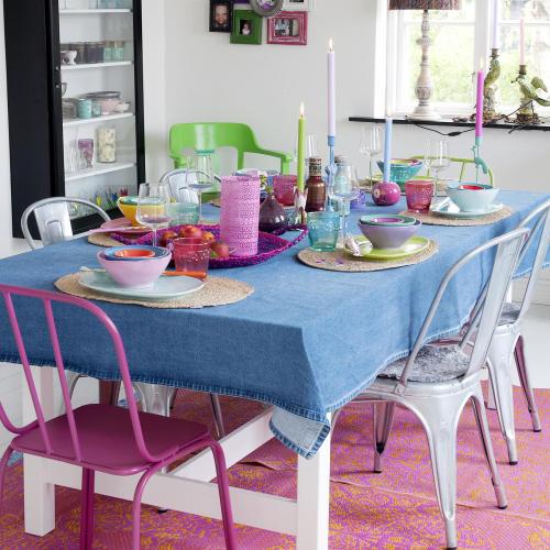matbord färgsprakande dukning rice